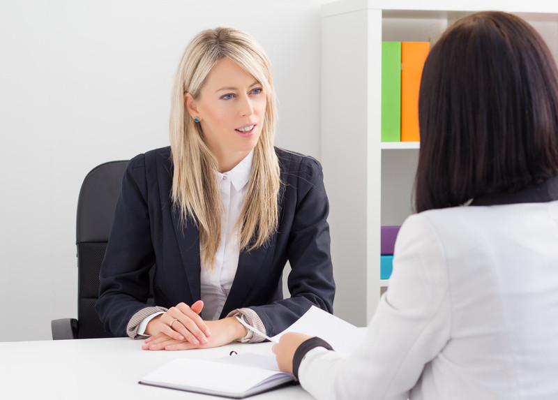 So glänzen Frauen im Bewerbungsgespräch