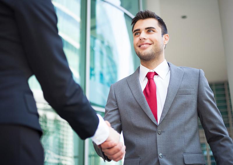 So bauen Sie Beziehungen mit Recruitern auf